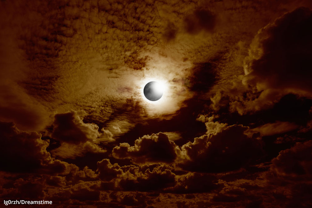 photographing a solar eclipse
